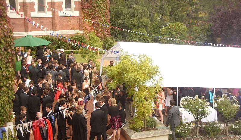 800px-Knox_College_Garden_Party